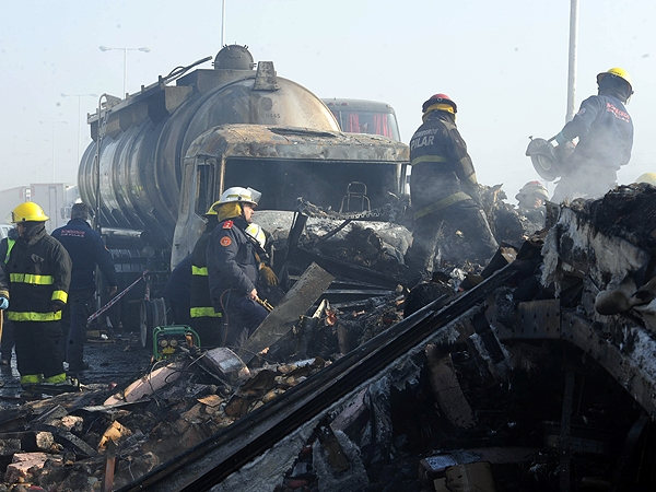 Choque en la Ruta 8: un muerto y más de 15 heridos