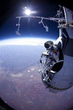 Video: Paracaidista realiza un salto desde la estratosfera a 29 kilómetros de altura