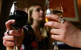 Estudio: Las mujeres casadas beben más alcohol