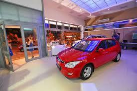 Una de cada doce familias compró vehículo en el último año