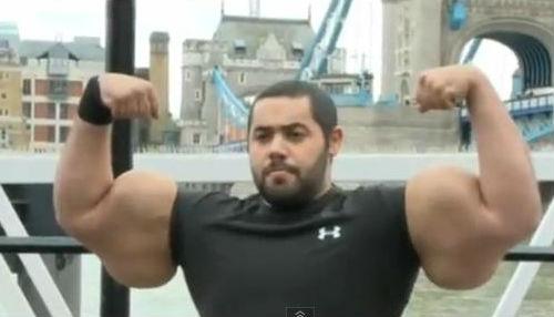 Video: Los bíceps más grandes del mundo