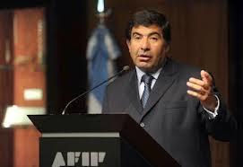 Echegaray echó a una funcionaria de la AFIP por la intimación a los countries