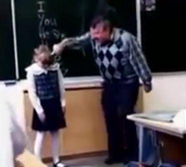 Video: Niña patea en la entrepierna a su profesor en plena clase