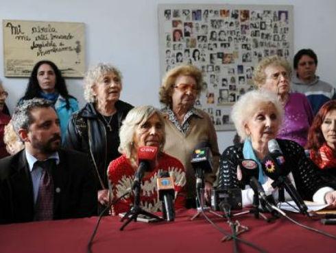 Abuelas de plaza de Mayo recuperan a la nieta Nº 107