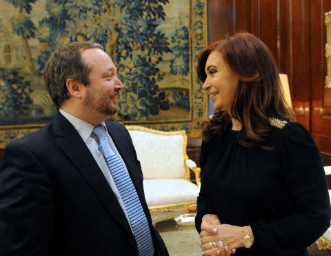 "Cristina le propuso a los caceroleros que ""se busquen algún dirigente que se ponga al frente"""
