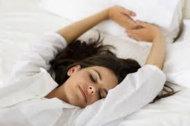 Estos son los alimentos que ayudan a dormir mejor