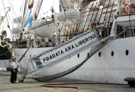 """Ghana pide mover la Fragata Libertad porque le genera """"perjuicios económicos"""""""