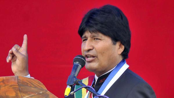 Evo Morales dice que triplicó su patrimonio gracias a que le regalan muchos ponchos