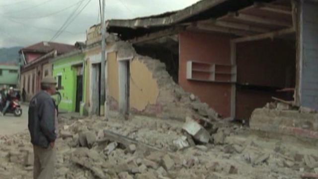 Ascienden a 52 los muertos por el sismo en Guatemala; declaran tres días de duelo