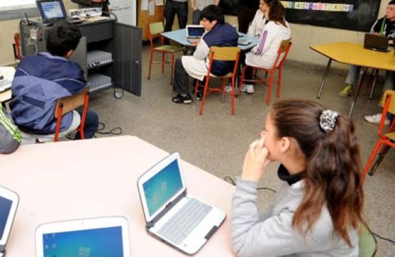 Aulas Digitales Móviles en escuelas primarias