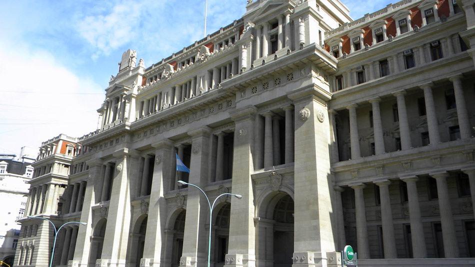 La Cámara Civil y Comercial extendió la medida cautelar a favor de Clarín