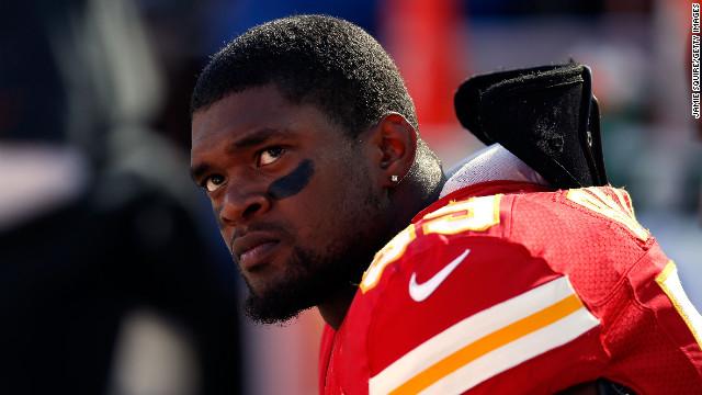 Jugador de la NFL asesina a la madre de su hija y luego se suicida
