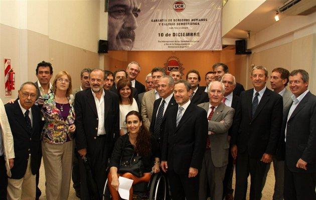 La oposición se unió en defensa de la Justicia y la constitución ante la presión del Gobierno