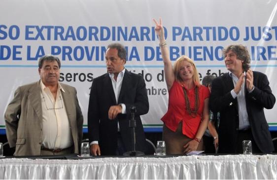 """Scioli: """"sigamos adelante con nuestra conductora Cristina"""""""