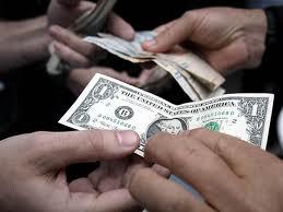 Consejos útiles para adquirir dólares en el mercado formal o el paralelo