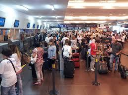Tramite en Aeroparque para la autorización de los menores para que puedan salir del país