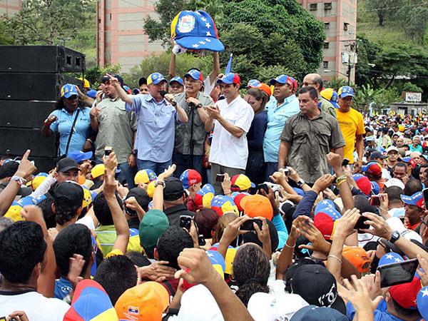 La oposición en Venezuela quiere viajar a Cuba y comprobar estado de salud de Chávez