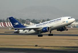 Intentaron detener a piloto de Aerolíneas Argentinas justo antes de despegar