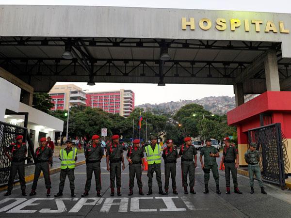 Chávez volvió a Venezuela, pero ni los presidentes amigos logran verlo
