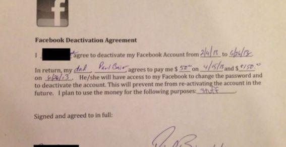 Padre le hace un contrato por 200 dólares a su hija para que no use Facebook