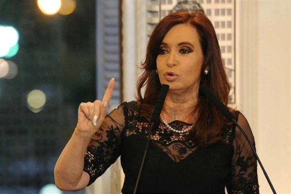 Prensa británica llama a Cristina Kirchner 'matona populista'