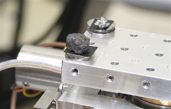 Encuentran fragmentos del meteorito que cayó en Rusia