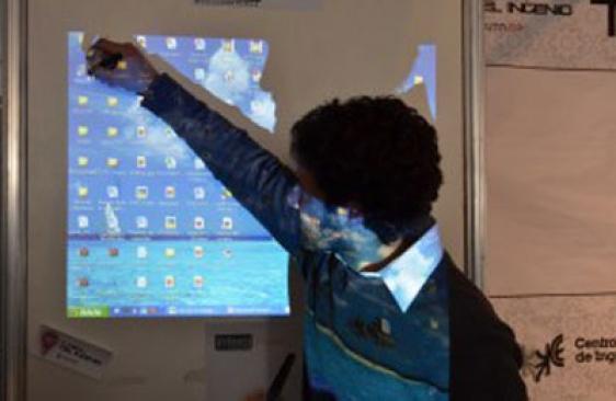 Estudiantes argentinos diseñaron una pizarra interactiva