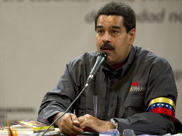 Maduro dice que Chávez influyó en elección del papa