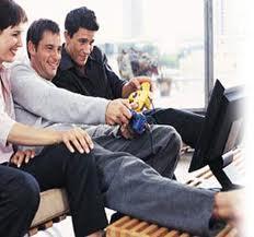 Estudio: Los adultos que juegan con videojuegos tienen un mejor nivel emocional