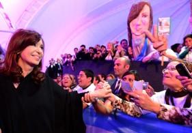 """Cristina bregó para que el Papa """"lleve el mensaje a las grandes potencias del mundo para que dialoguen"""""""