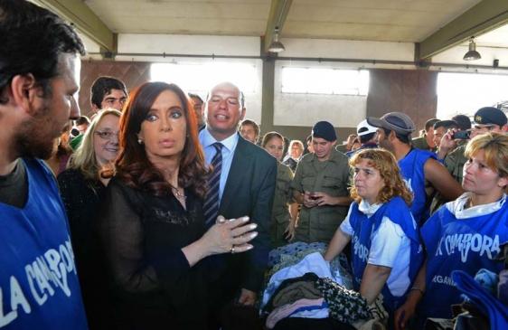Cristina visitó el centro de donaciones en La Plata