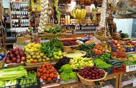 El Mercado Central entrega frutas y verduras para los damnificados