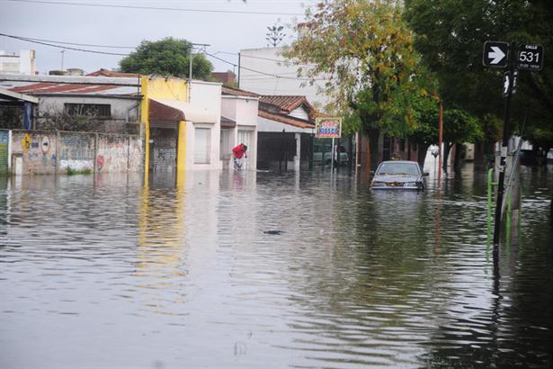 La Presidenta decretó tres días de duelo nacional por el temporal