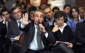 Denunciarán a Moreno por presentarse en la asamblea de Clarín