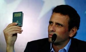 Capriles pide al pueblo que lo acompañe hasta el CNE