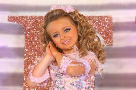 Nena de 6 años se hace millonaria con los concursos de belleza