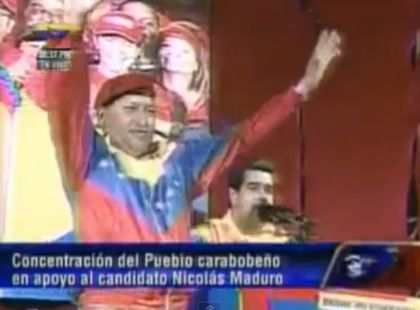 Video: Maduro presentó al doble de Hugo Chávez