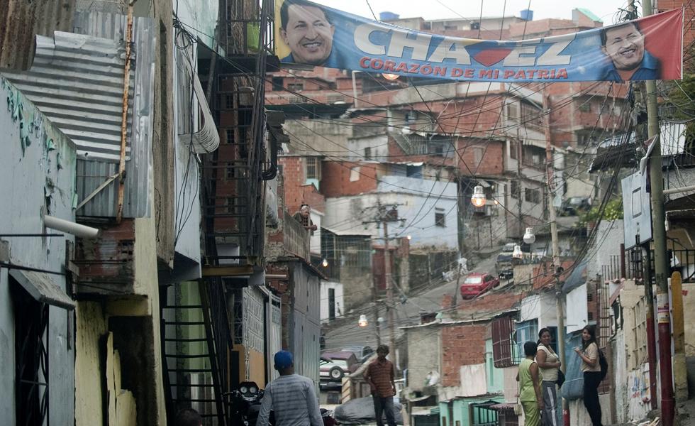 El equipo de campaña de Maduro admite el colapso económico
