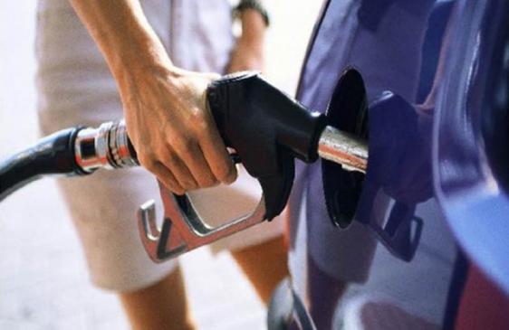 Fijan un precio tope para los combustibles por 6 meses