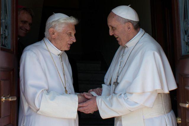 Dos papas conviven en el Vaticano