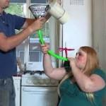 Se cansó de luchar contra el sobrepeso y ahora come para engordar y muestra su cuerpo en internet