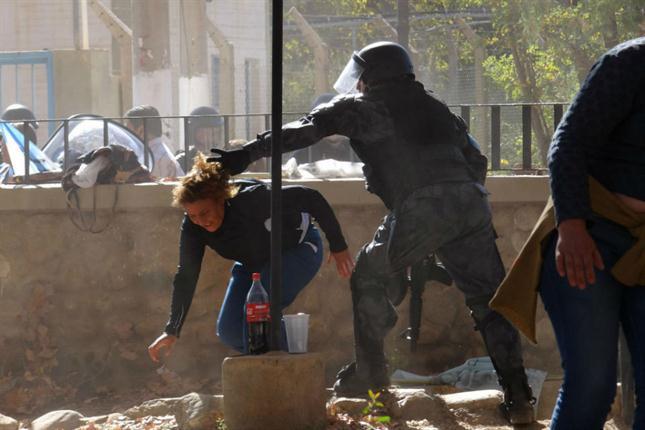 Dura represión policial contra los ambientalistas en Famatina