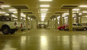 El 80% de los estacionamientos está fuera de la ley