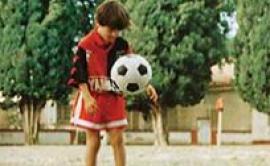Video: Lionel Messi de chico jugando en el potrero
