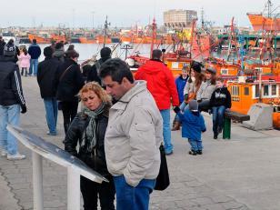 Turistas disfrutan el feriado largo en Mar del Plata