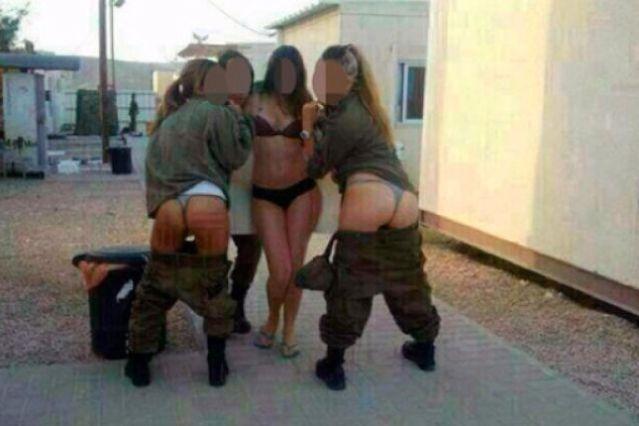 Mujeres soldados israelíes posan con ropa interior y las publican en Facebook
