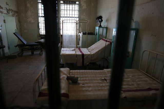Aberrante: Niña fue violada durante años por su padre, tío y padrino en una cárcel
