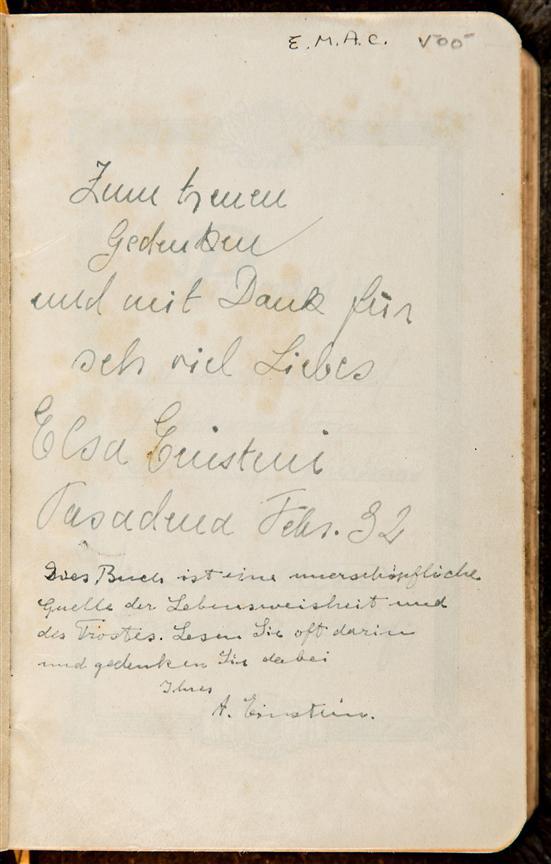 Una biblia firmada por Albert Einstein