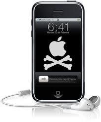 """Cómo """"hackear"""" un iPhone con un cargador"""