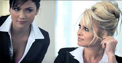 Video: Este es el aviso prohibido de Pamela Anderson